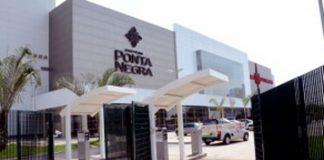 Vereador Wilker(E) visita Shopping PN/Foto: Robervaldo Rocha