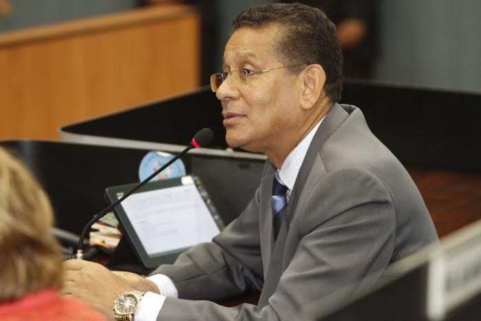 Vereador Carlos Alberto quer benefícios para deficientes