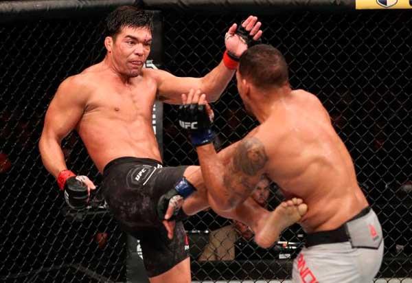Machida Anders - Lyoto Machida vence luta polêmica contra Eryk Anders em Belém